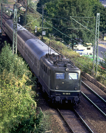 141 106 approaches Bacharach with a southbound stopping service. Spring 1991. Taken from hotel bedroom window.