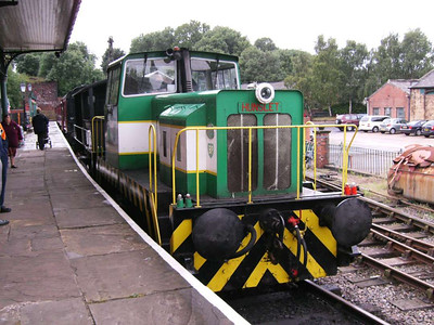 Louise is a beautifully restored Hunslet 0-6-0 diesel hydraulic loco, works number 6590 from 1967.