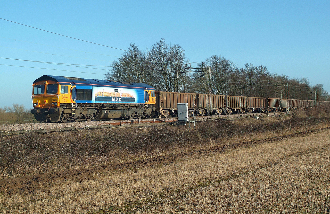 66709 Terling Rd. 24.1.2015 10.40 hrs.6Z89 10.09 Marks Tey-Wellingborough Up TC
