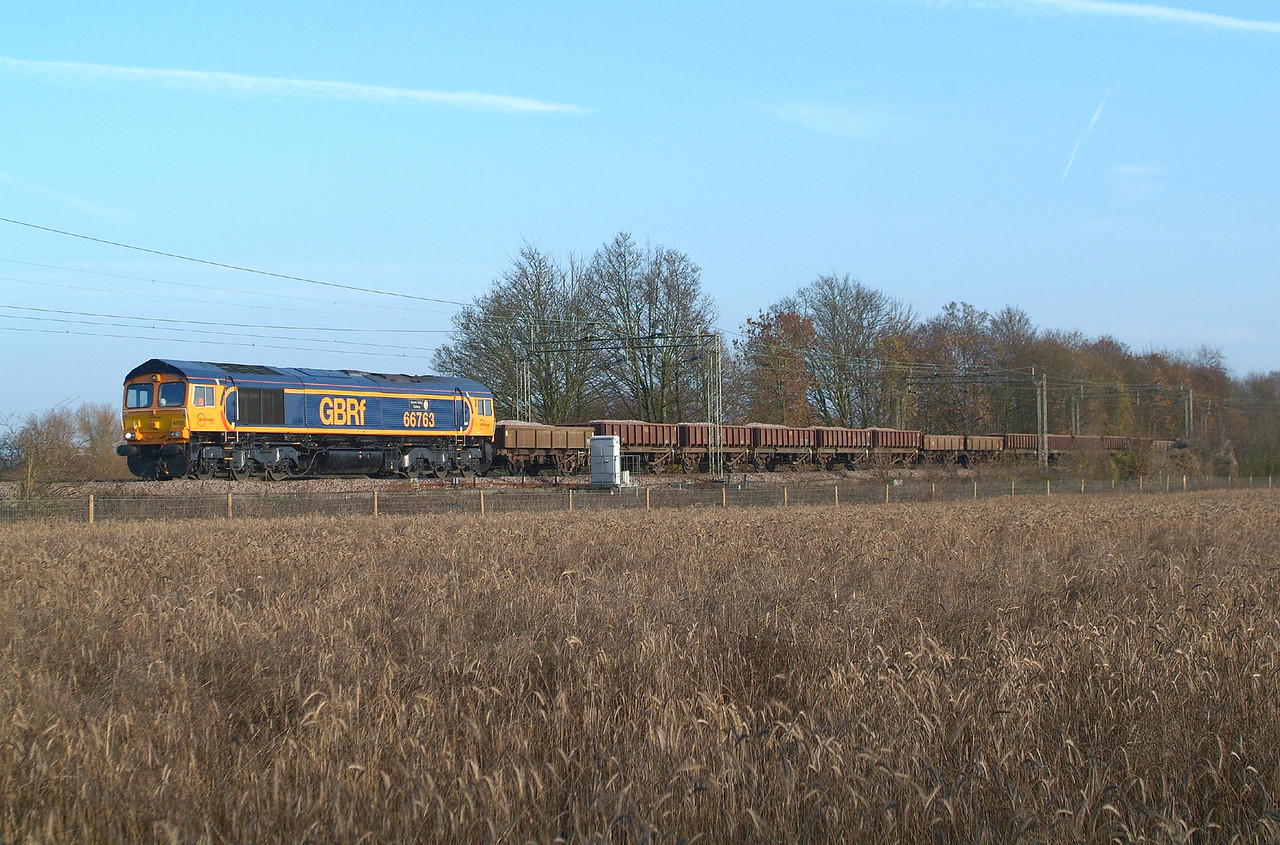 Saturday works train. 66763 Terling Rd. 26.11.2016 6T63 Whitemoor- Ruckholt Rd.Jn.