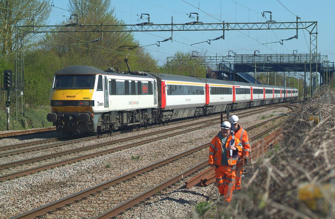 Orange Men ,plus 90005 Witham 20.4.2016 11.10hrs. 1P20 10.30 Liverpool St.-Norwich