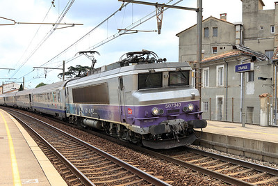 Bo-Bo Electric 507340 departs Orange on a working to Gare de Lyon Part-Dieu. 01/06/2011