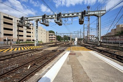 East end of Avignon station. 01/06/2011