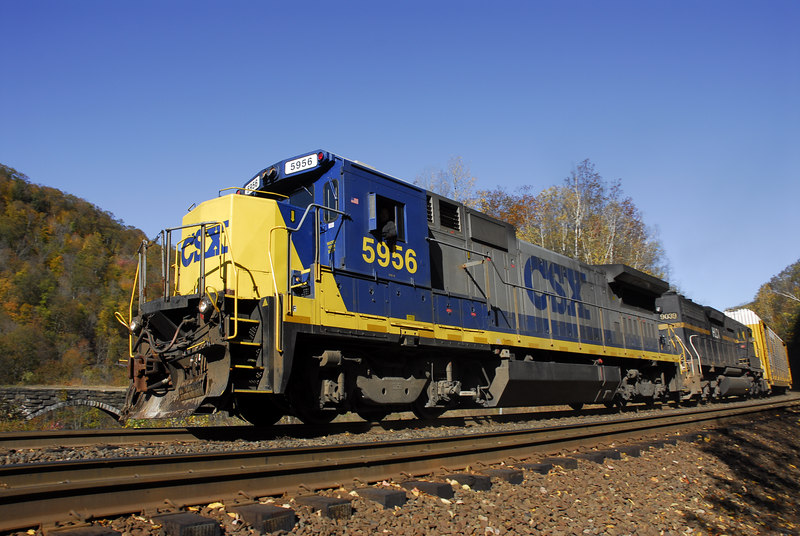 CSX Q283 Westbound empty autoracks passing throught the cut at MP 129 Chester, MA. October 13, 2006.