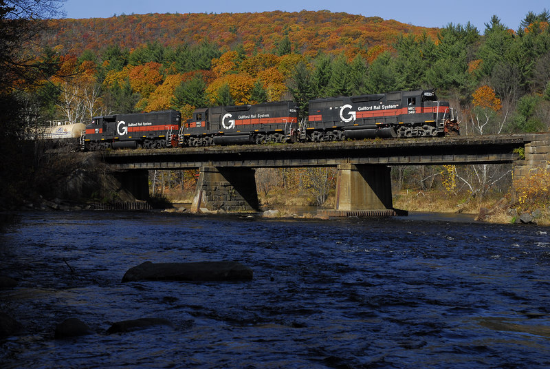 Guilford Rail System EDPO (East Deerfield to Portland) in District Three, October 21, 2006. Crossing the Millers River, Erving, MA.