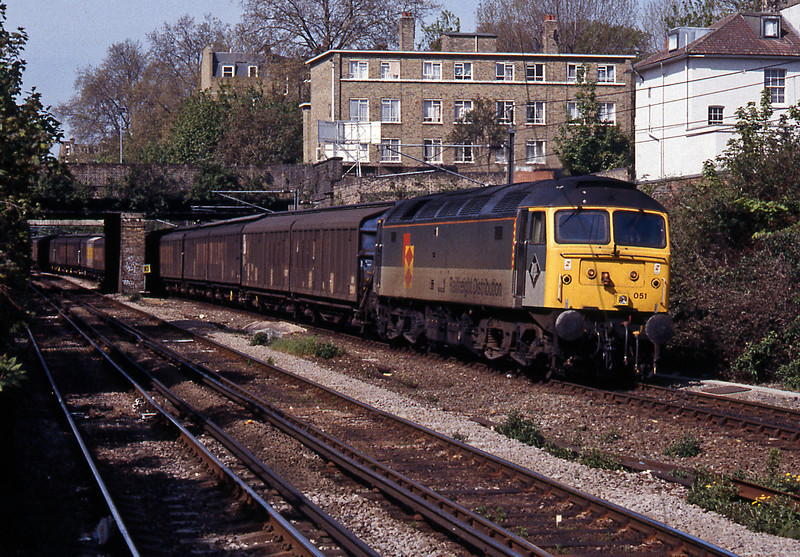 47051 in RfD livery passing Highbury and Islington on the 6L55 Connectrail service (MWThO) from Wembley to Gidea Park.