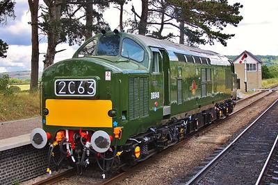 D6948 (37248) at Cheltenham Racecourse station 30/7/16.