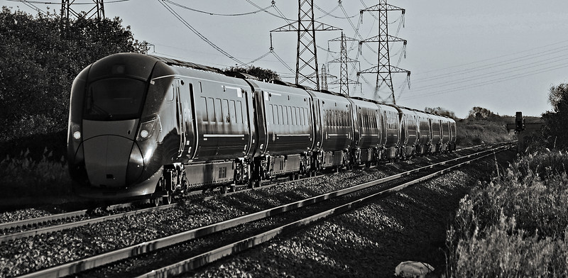 800006 & 800027 1L68 1424 Swansea to Paddington at Margam 18/11/18.