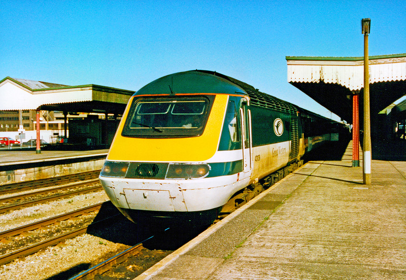 43139 14:00 London Paddington to Swansea at Cardiff Central 31/3/1997.