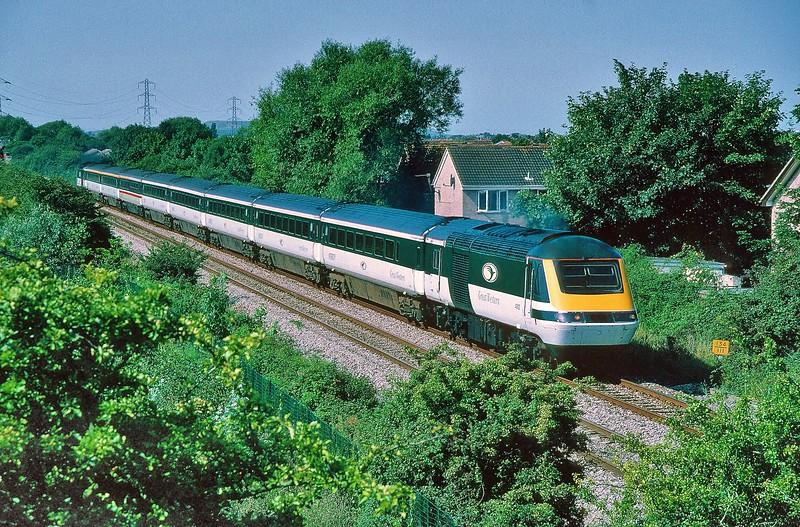 43192 & 43142 10:54 Weston-super-Mare to London Paddington at Worle 16/8/1997.