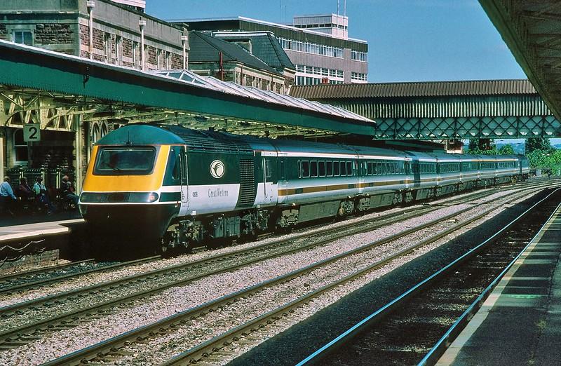 43018 11:00 London Paddington to Swansea at Newport 27/7/1999.