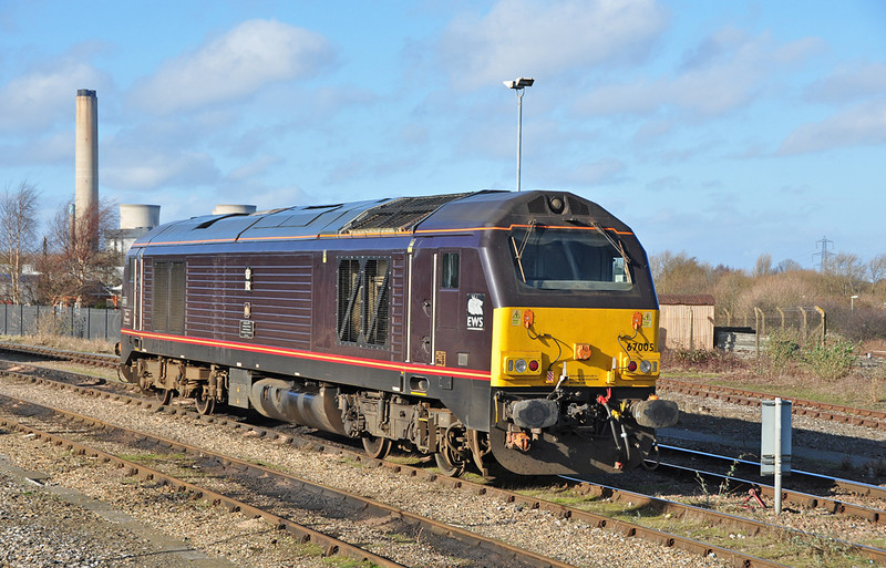 "67005 ""Queen`s Messenger"" is seen on the stabling point at Didcot 01/02/2014."