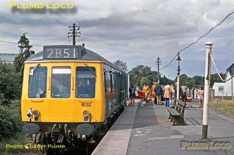 W55032, Severn Beach, August 1972