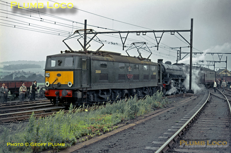 61360 & 26000, Wombwell, 27th June 1964