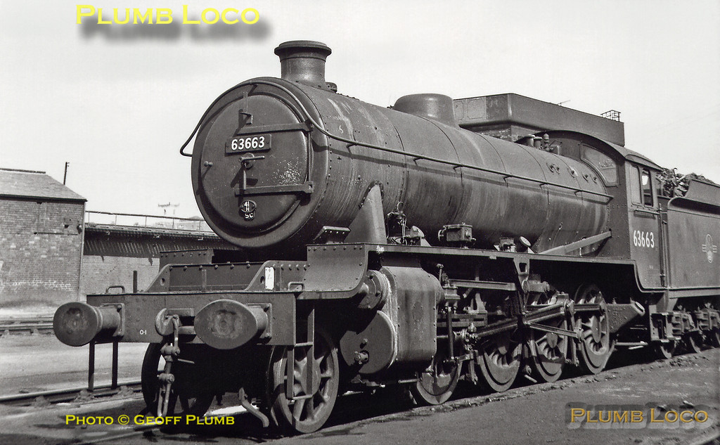 LNER O1 Class 2-8-0 No. 63663 simmers at Staveley GC MPD on Sunday 12th August 1962. This engine was one of the ex-GCR rebuilds from LNER Class O4 with a 100A boiler, commencing in 1944. B&W Neg No.131.