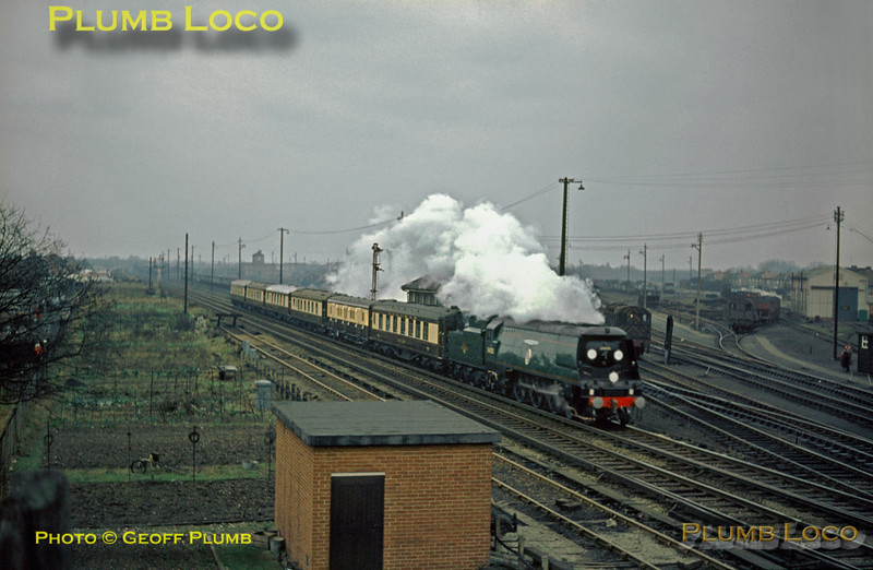 "34051 ""Winston Churchill"", Funeral Train, Feltham, 30th January 1965"