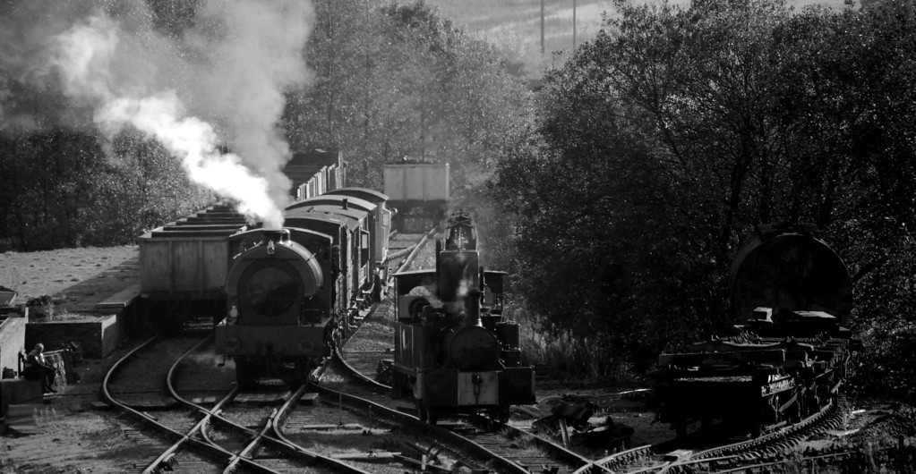 Just to add to the already sky high crankiness of the scenario is the Victorian Dubs 0-4-0 crane loco on the right