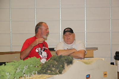 Gerry Bill and Chad discussing the finer points of Free-mo signals