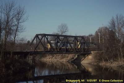 CSX 8146-8350 SD40-2 8146 ex SBD 8146 exx SCL 8146 bly 9/81 train Q330, sbd Midland - Flint turn Cass River, Bridgeport, MI