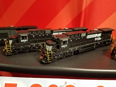 Scale Trains C39-8