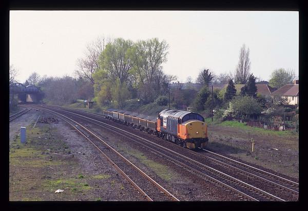 37513 40 Steps, Taunton 1614 01/04/1997 on a Meldon Quarry ~ Westbury ballast