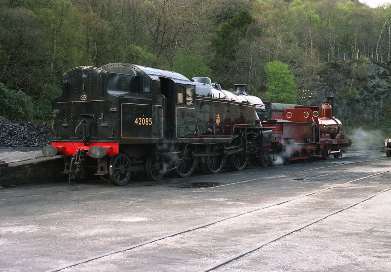 Fairburn 2-6-4T 42085 and Furness20 sit simmering in the yard at Haverthwaite after the days duties on the Lakeside & Haverthwaite Railway, 23/4/2000.