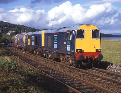 20304 + 20301 pass Cart Lane with chemical tanks bound for Sellafield 12/9/97