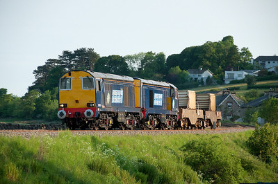 20305+20301 are seen near Grange with the early evening flask train 28/5/12.