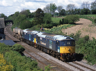 33025+33030 pass Flookburgh with the Heysham flasks 5/5/04.