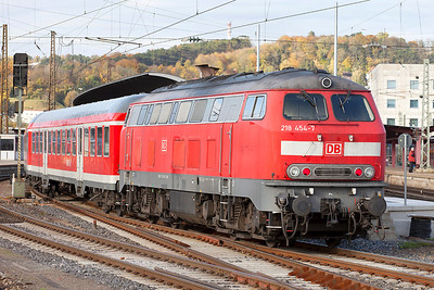 218 454 pushes into Ulm on a service from Kempten. 26th October 2009.