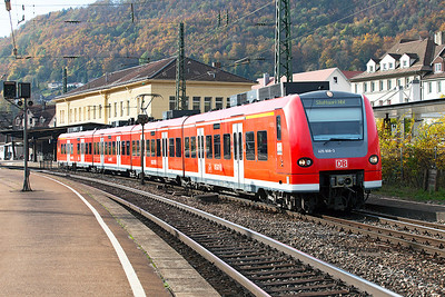 EMU 425 808 leaves Geislingen (Steige) on a stopping service to Stuttgart. 27th October 2009.