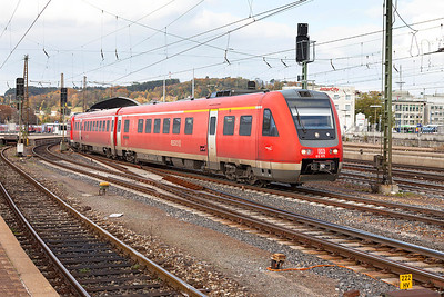 612 075 & 612 581 depart from Ulm on a local service to Rothenbach (Allgau). 26th October 2009.