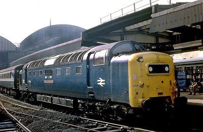 55022 'Royal Scots Grey' departs from Newcastle with a Plymouth to Edinburgh service. 30th May 1981.