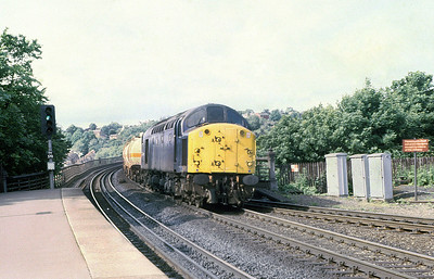 40121 passes Durham with northbound pressure tanks. 8th June 1981.