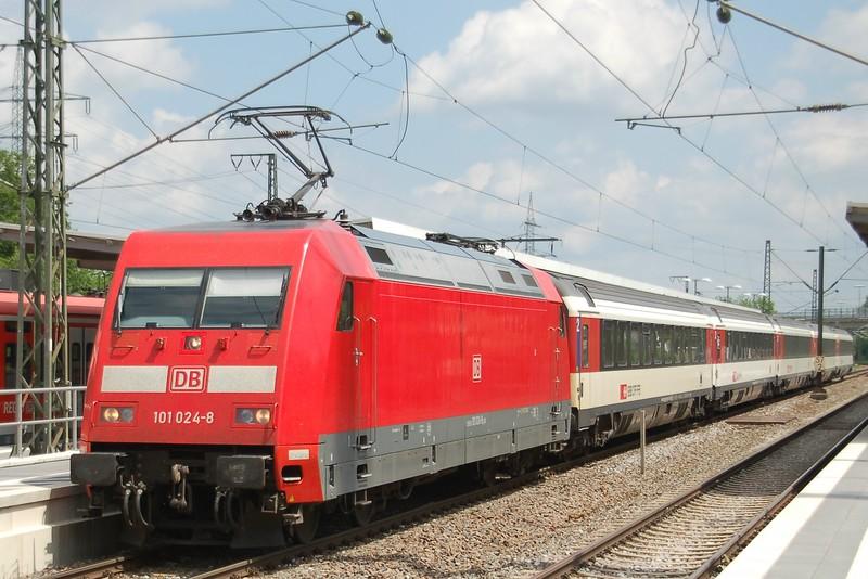 101 024-8 - Eutingen im Gäu - 31 May 2017