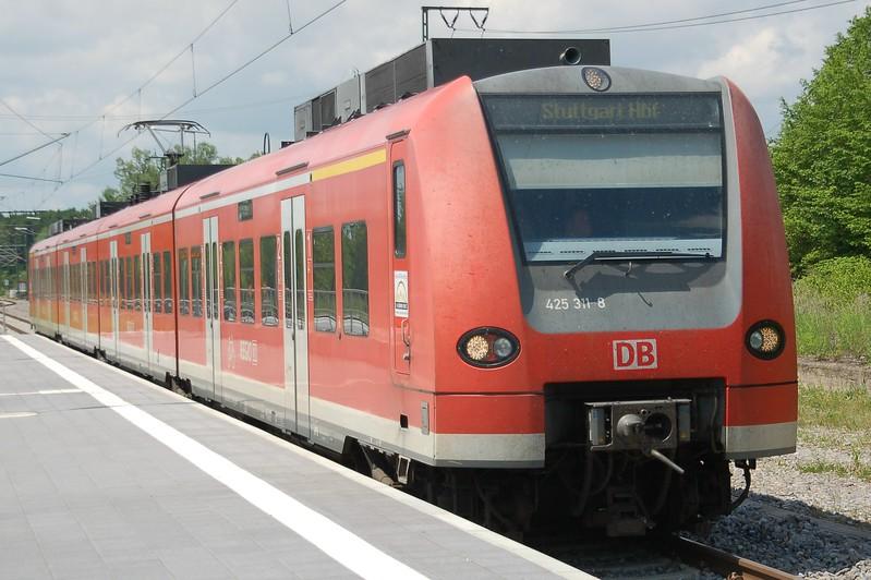 425 311-8 - Eutingen im Gäu - 31 May 2017