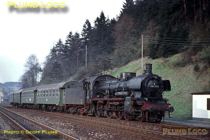Prussian P8 4-6-0 No. 038 711-8 had arrived a short while earlier into Horb with an evening stopping passenger train from Böblingen and moved the ECS into the sidings south of the station. It is now doing some stock shunting before its next duty. Tuesday 5th May 1970. Slide No. 4934.