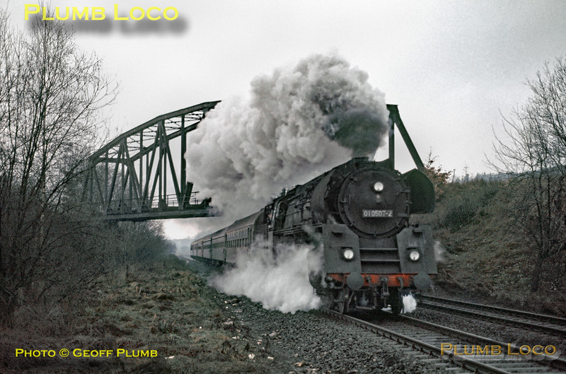 DR No. 01 0507-2, Bebra Bridge, 22nd January 1973