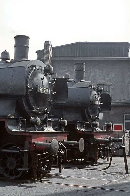 Also facing into the shed building at Tübingen depot are P8s 038 559-1 and 038 039-4, both in steam between duties. Wednesday 6th May 1970. Slide No. 4956.