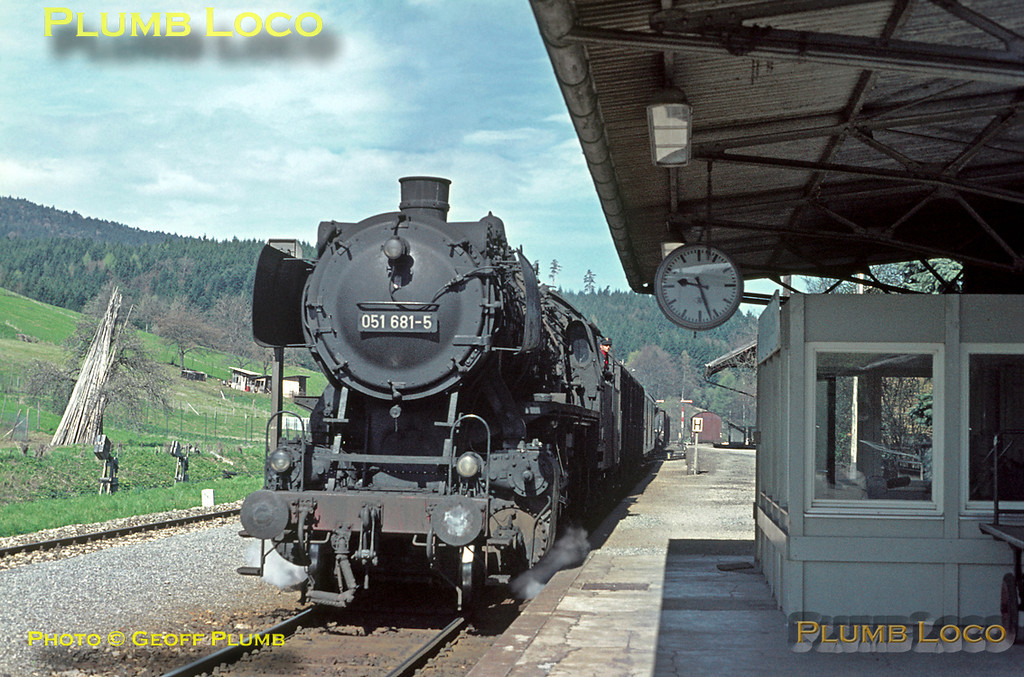 With the station clock at Laufen now showing 09:27, another freight from Tübingen to Ebingen passes through, this one hauled by 051 681-5. The glazed building on the platform is the signalbox. Friday 8th May 1970. The line is still open today, but sadly this station is now closed. Slide No. 5029.