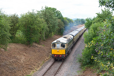 D6575 passes Stanton Road, Stanton with 2L54 10.20 Cheltenham Racecourse to Laverton. Sunday 31st July 2016.