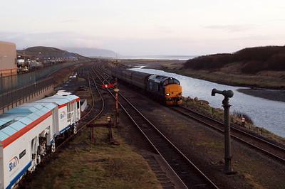 37423 draws into Sellafield on the GlowEx. 23/01/12.