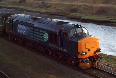 37423 arriving at Sellafield on the GlowEx. 23/01/12.