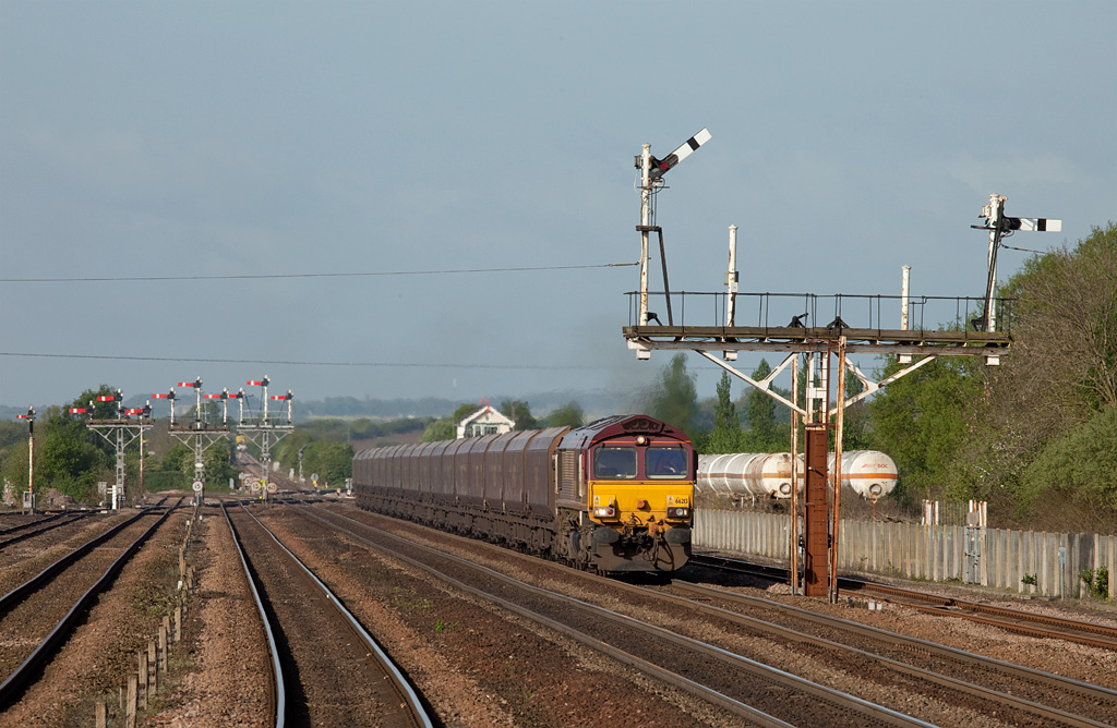 EWS 66213 with the 4C71 07:55 Scunthorpe-Immingham empty EWS coal hoppers in Wrawby Junction.