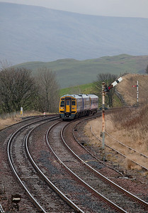 158 906 approaching Kirkby Stephen.