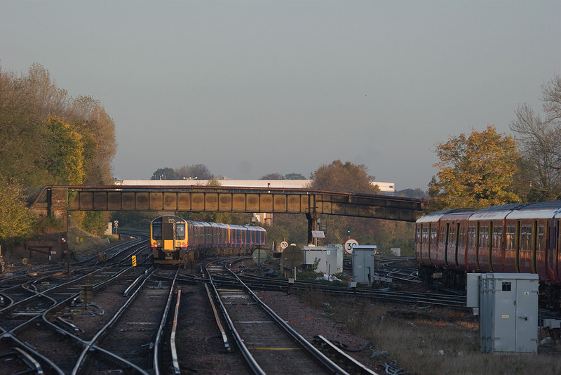 South West Trains 450 in Guildford