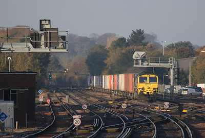 Freightliner 66536 with the 4M50 07:25 Southampton-Crewe approaching Basingstoke.
