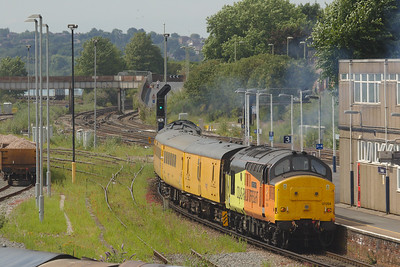 Colas Rail 37254 with the 176Y Eastleigh Arlington to Eastleigh Arlington measurement train in Eastleigh.