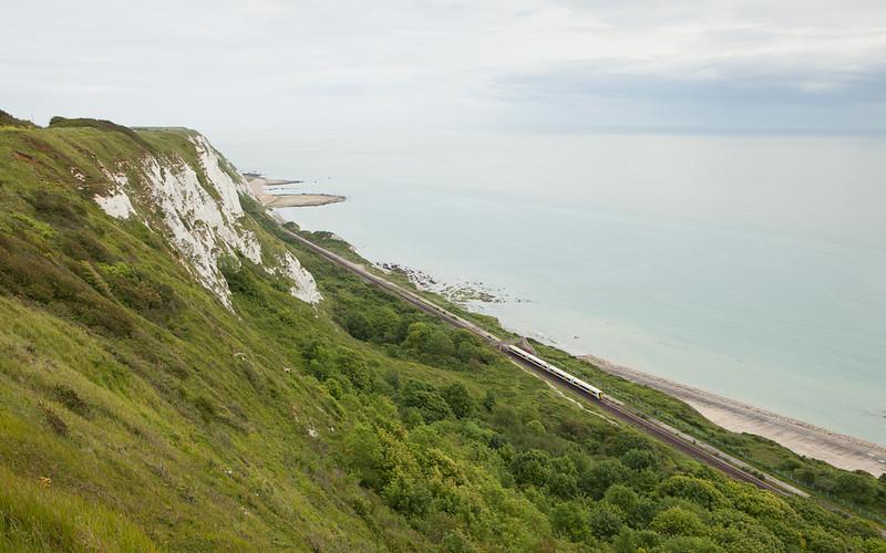 Southeastern Trains 377 between Dover und Folkestone.