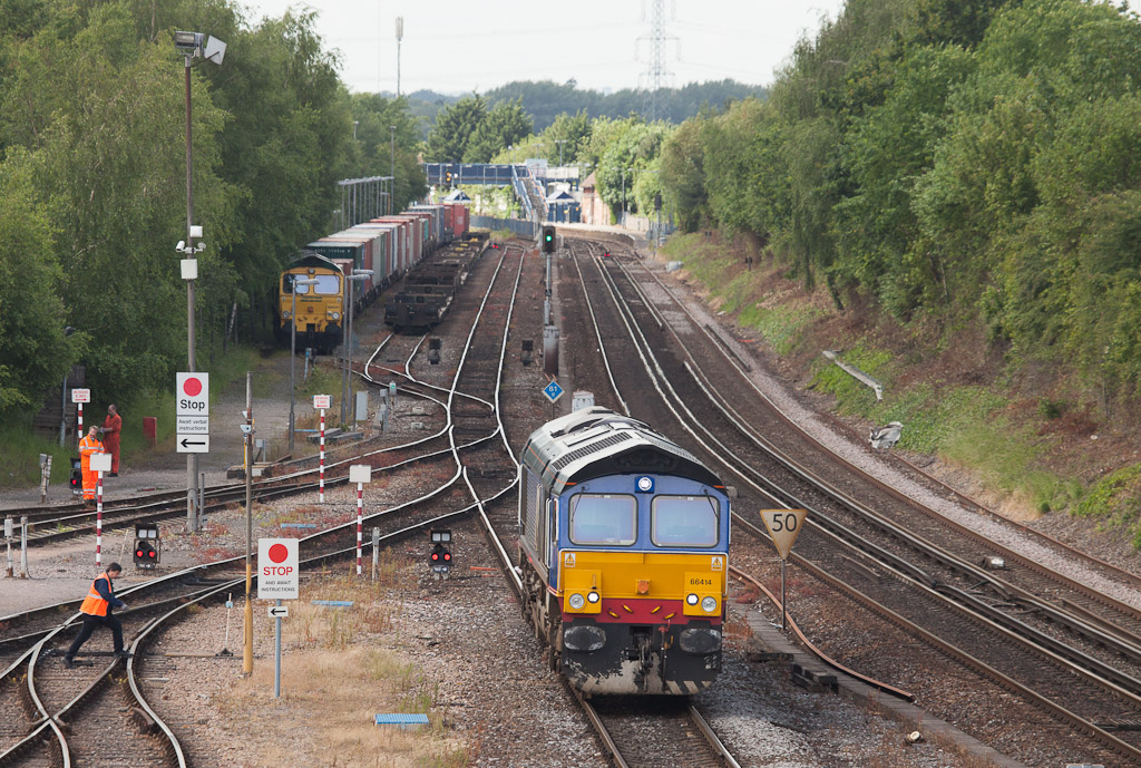 Freightliner 66414 passing TMD Southampton Maritime.